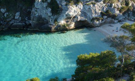 Menorca: tesoros arqueológicos tras paradisíacas playas