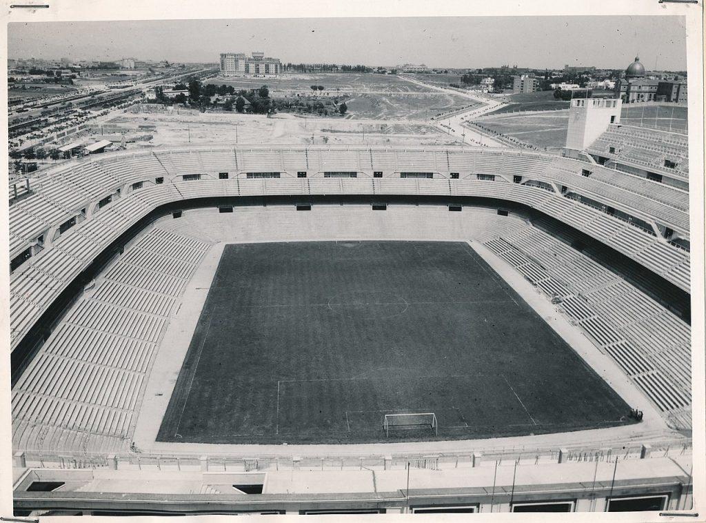 Foto antigua del Estadio Santiago Bernabéu